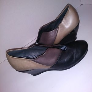 Hispanitas black, gray and taupe wedge shoes sz 7
